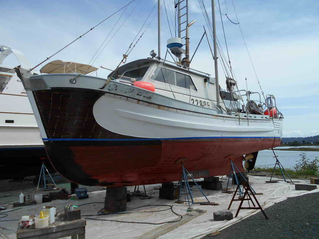 Gillnetter Fishing Boat image 16