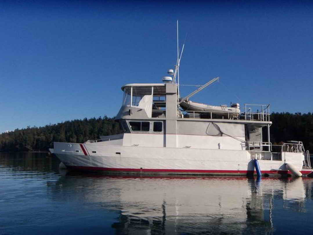 Flybridge Cabin Cruiser - US Coast Guard Conversion image 1