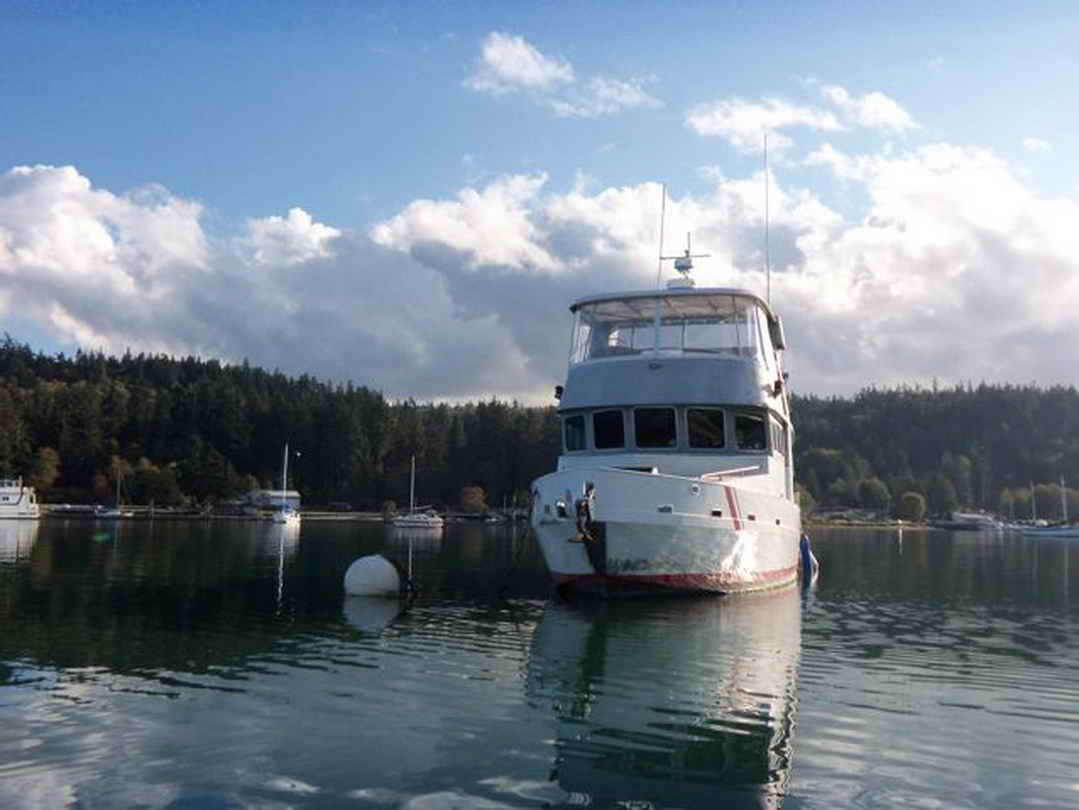 Flybridge Cabin Cruiser - US Coast Guard Conversion image 2
