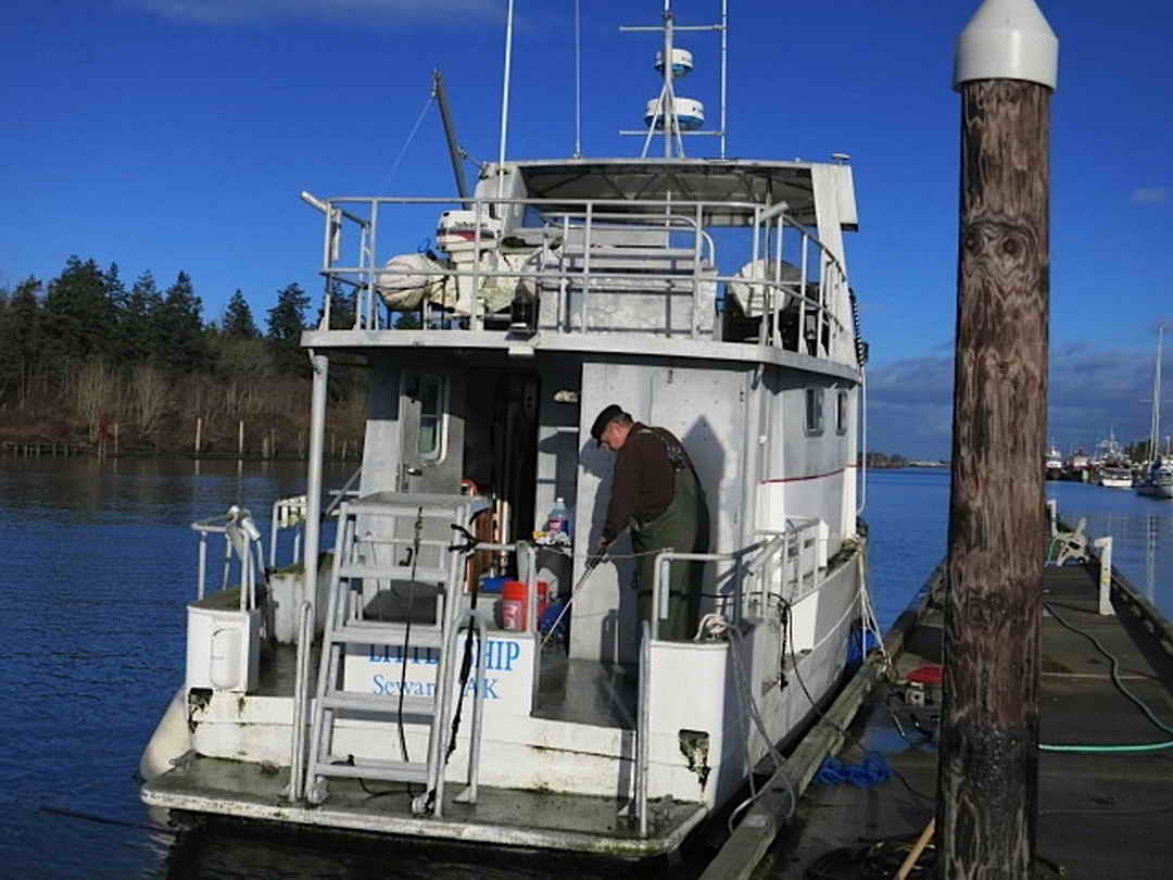 Flybridge Cabin Cruiser - US Coast Guard Conversion image 5