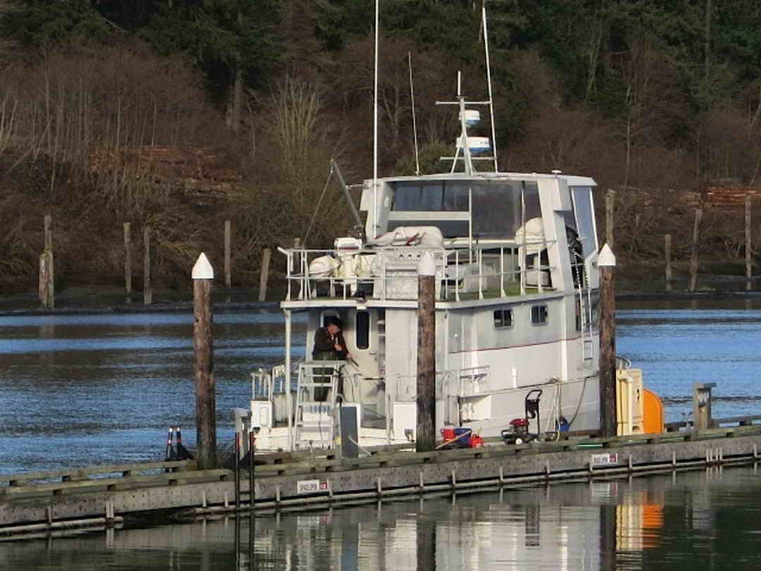 Flybridge Cabin Cruiser - US Coast Guard Conversion image 7