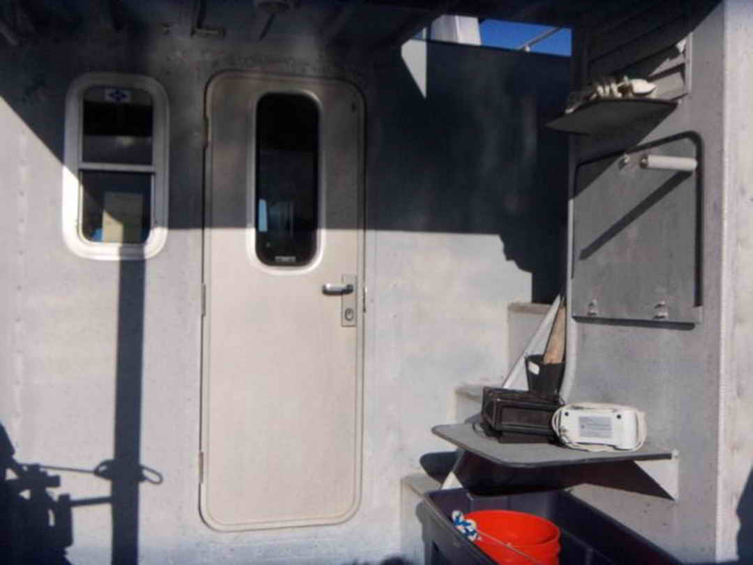 Flybridge Cabin Cruiser - US Coast Guard Conversion image 15