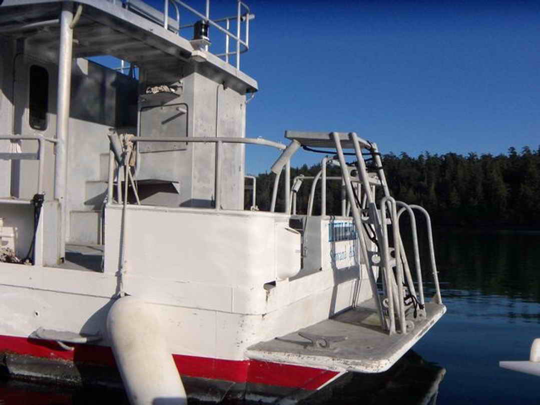 Flybridge Cabin Cruiser - US Coast Guard Conversion image 17