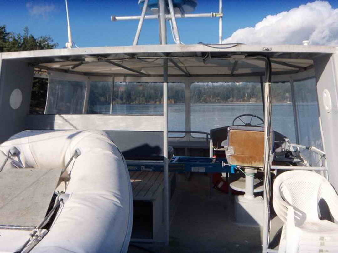 Flybridge Cabin Cruiser - US Coast Guard Conversion image 24