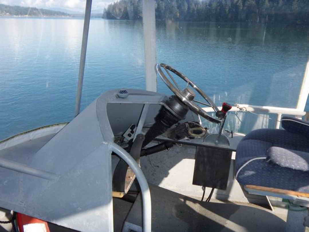 Flybridge Cabin Cruiser - US Coast Guard Conversion image 25