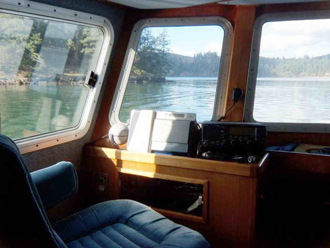 Flybridge Cabin Cruiser - US Coast Guard Conversion image 34