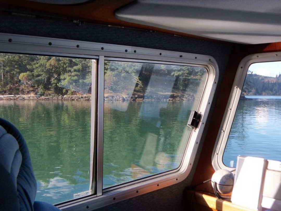 Flybridge Cabin Cruiser - US Coast Guard Conversion image 35