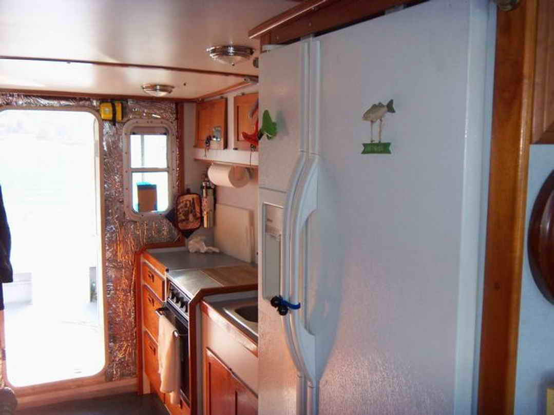 Flybridge Cabin Cruiser - US Coast Guard Conversion image 48