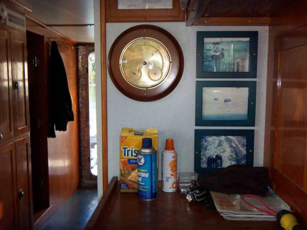 Flybridge Cabin Cruiser - US Coast Guard Conversion image 49