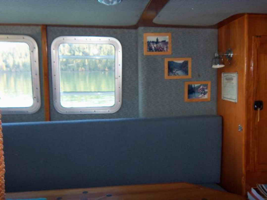 Flybridge Cabin Cruiser - US Coast Guard Conversion image 51