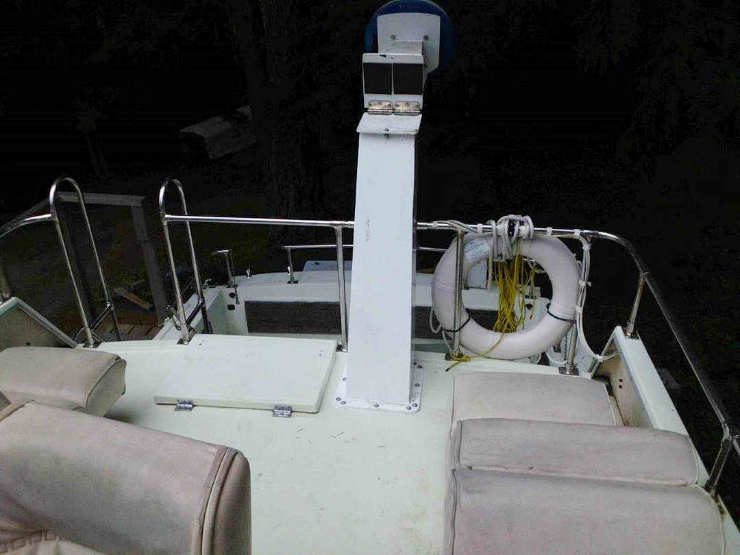 Glasply Long Cabin Cruiser image 14
