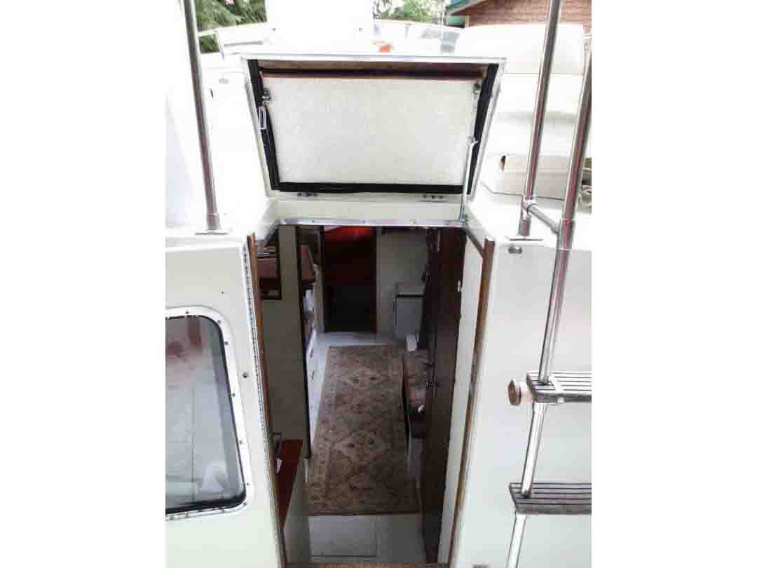 Glasply Long Cabin Cruiser image 16