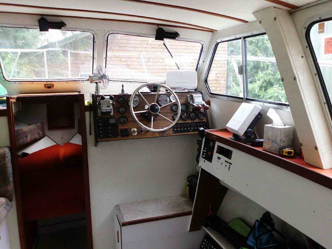 Glasply Long Cabin Cruiser image 19