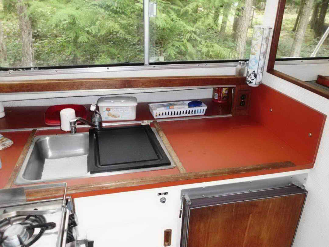 Glasply Long Cabin Cruiser image 26