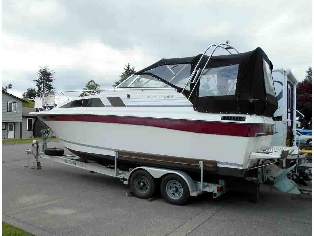 Bayliner CS 2750 Flybridge image 0