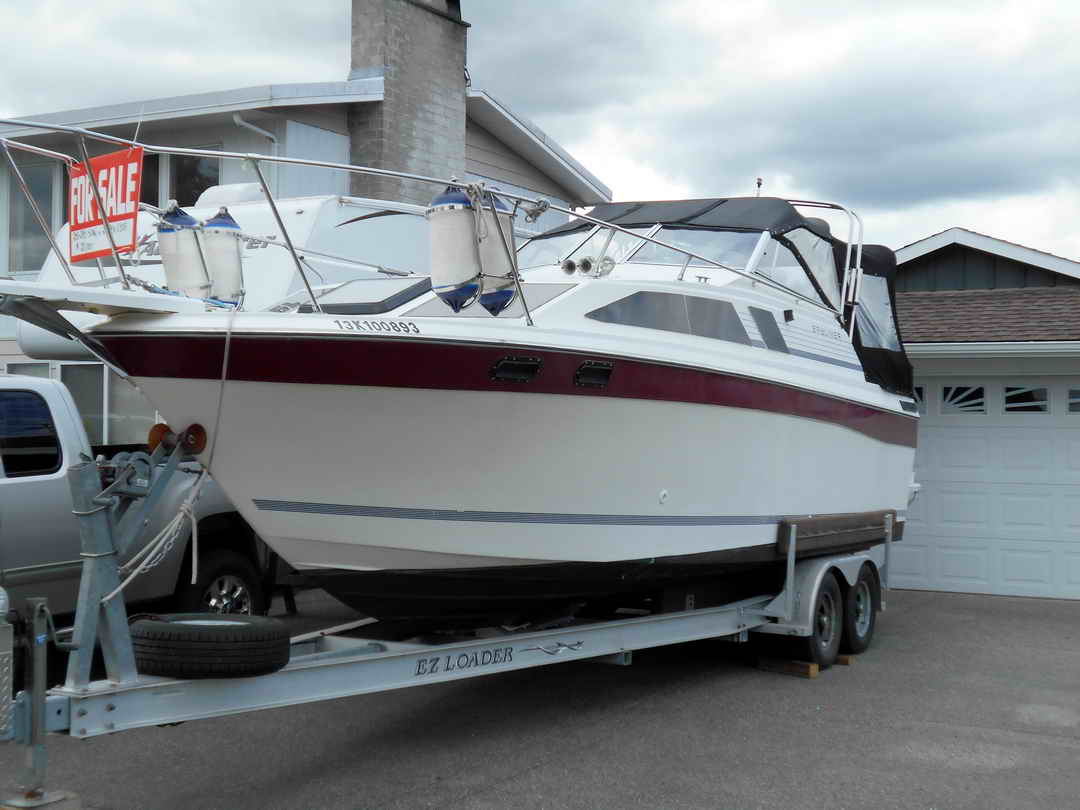 Bayliner CS 2750 Flybridge image 1