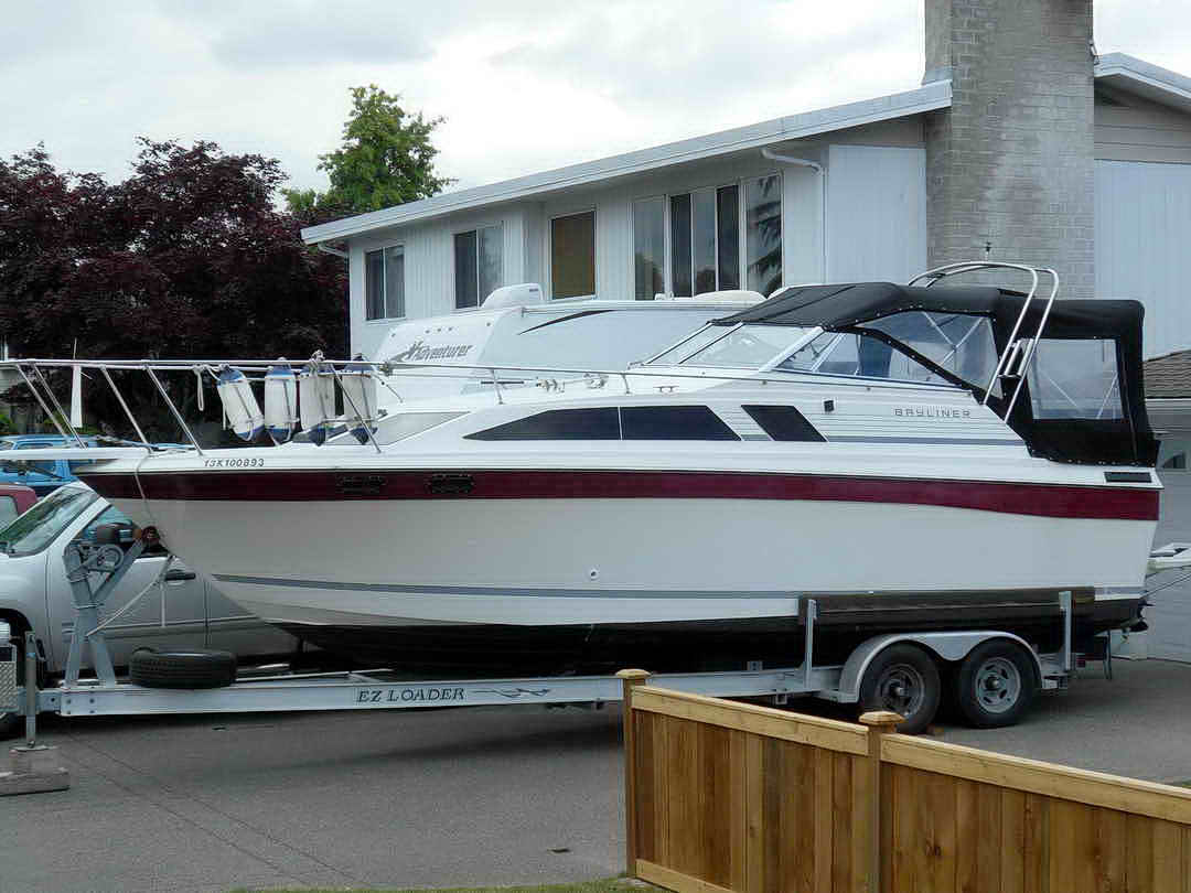 Bayliner CS 2750 Flybridge image 2