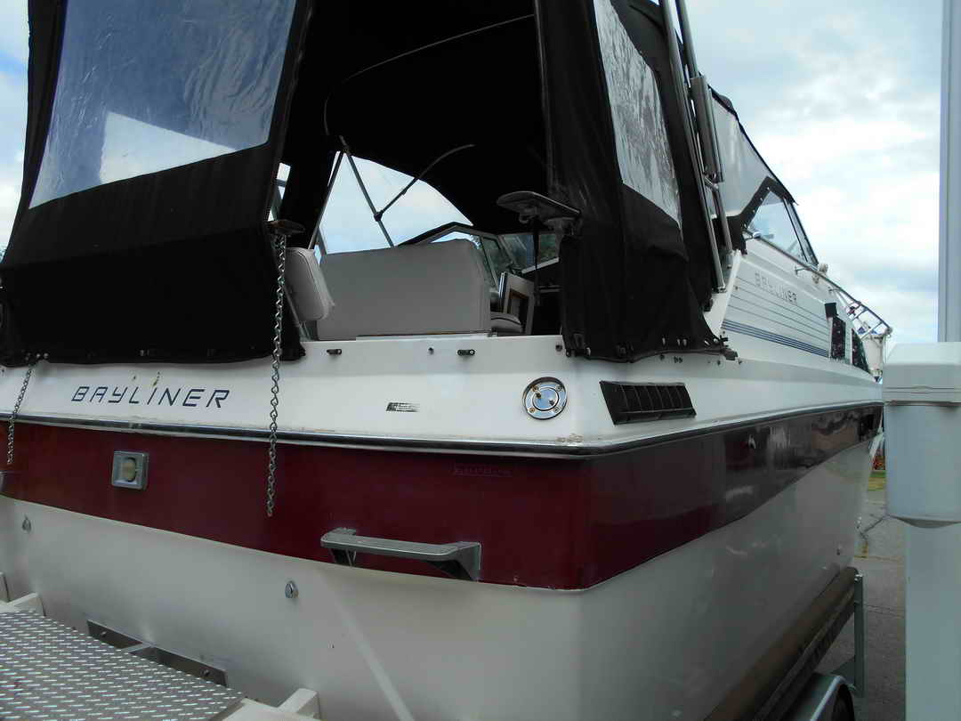 Bayliner CS 2750 Flybridge image 5