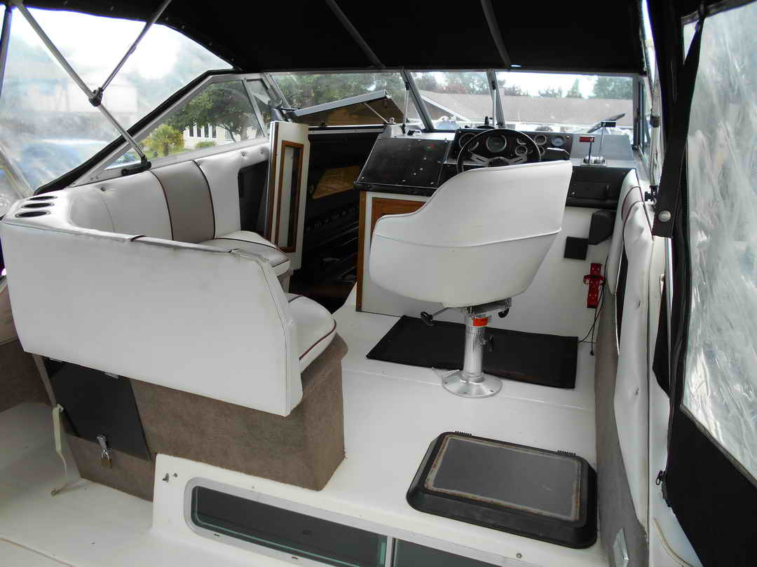 Bayliner CS 2750 Flybridge image 7