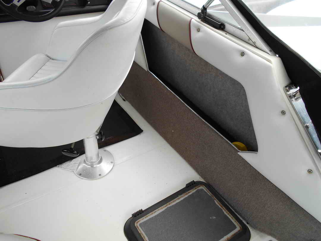 Bayliner CS 2750 Flybridge image 8