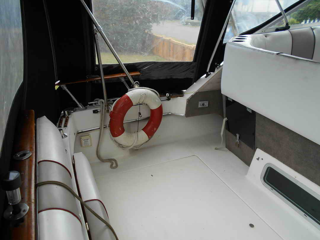 Bayliner CS 2750 Flybridge image 9