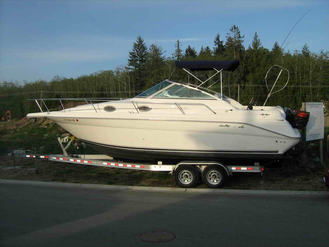Sea Ray Sundancer 270 image 2