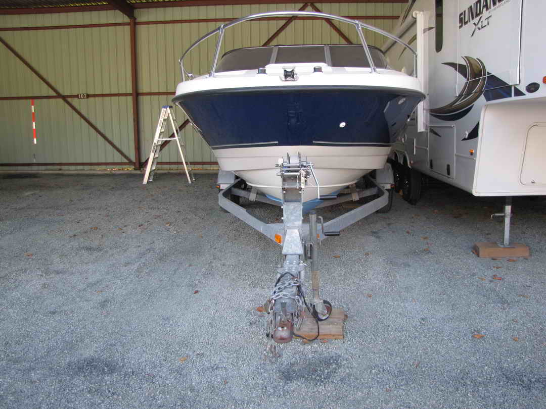 Bayliner Discovery 210 Sport Fishing Boat image 1