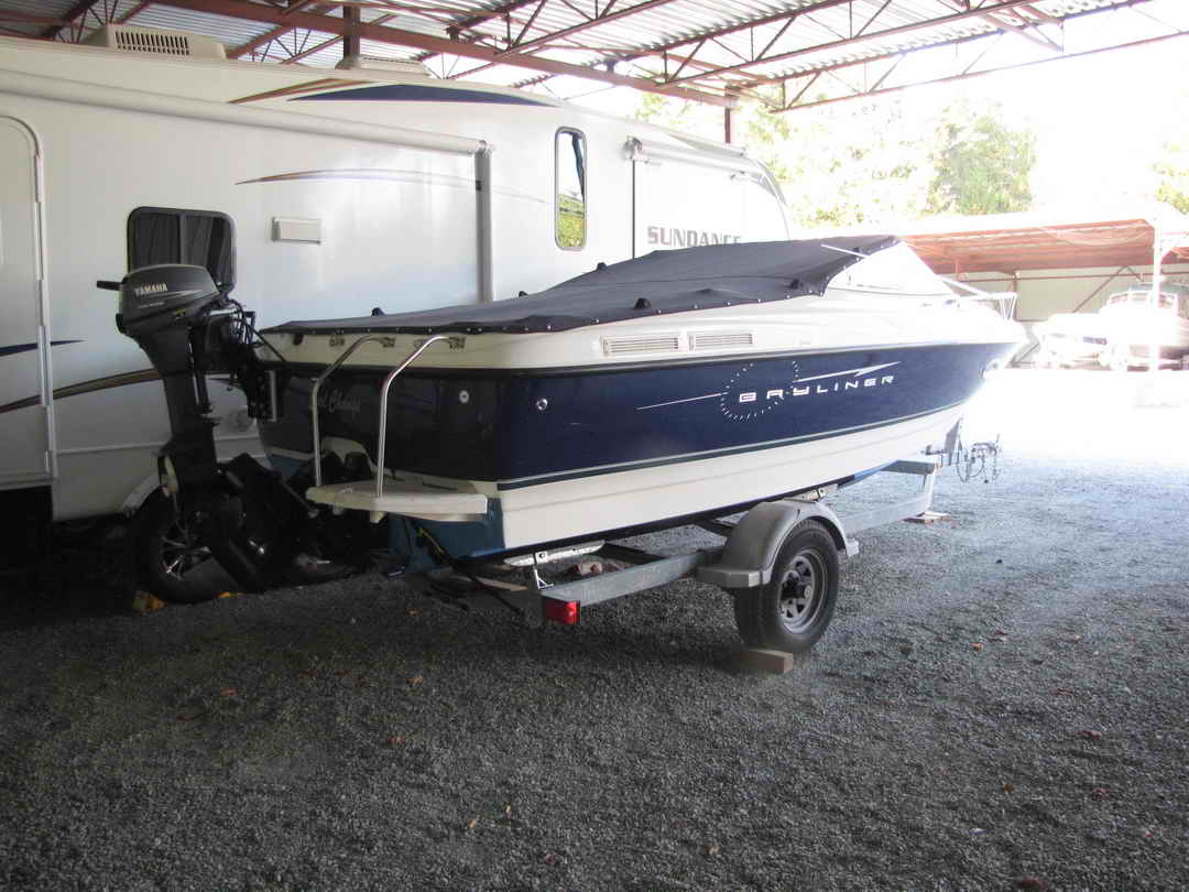 Bayliner Discovery 210 Sport Fishing Boat image 2
