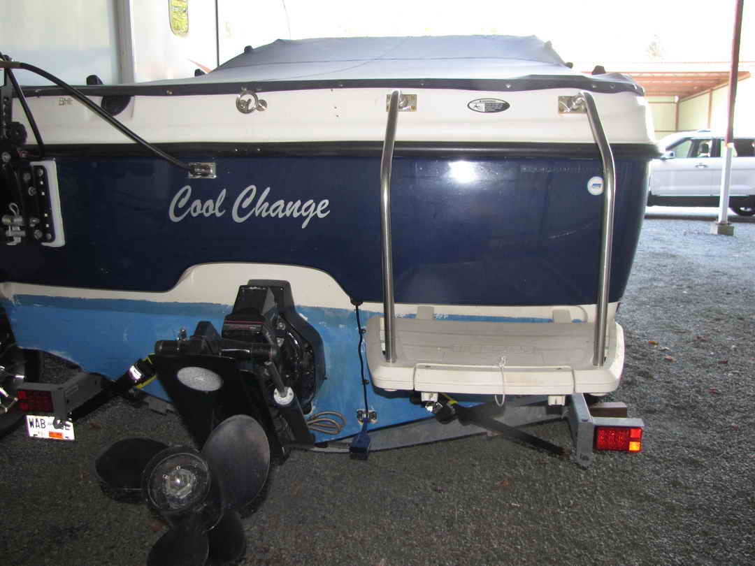 Bayliner Discovery 210 Sport Fishing Boat image 3