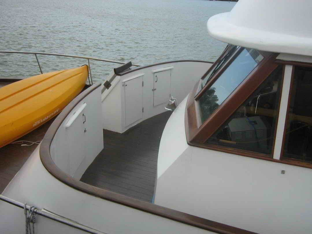 Wood Sather Pilothouse Motor Yacht image 7