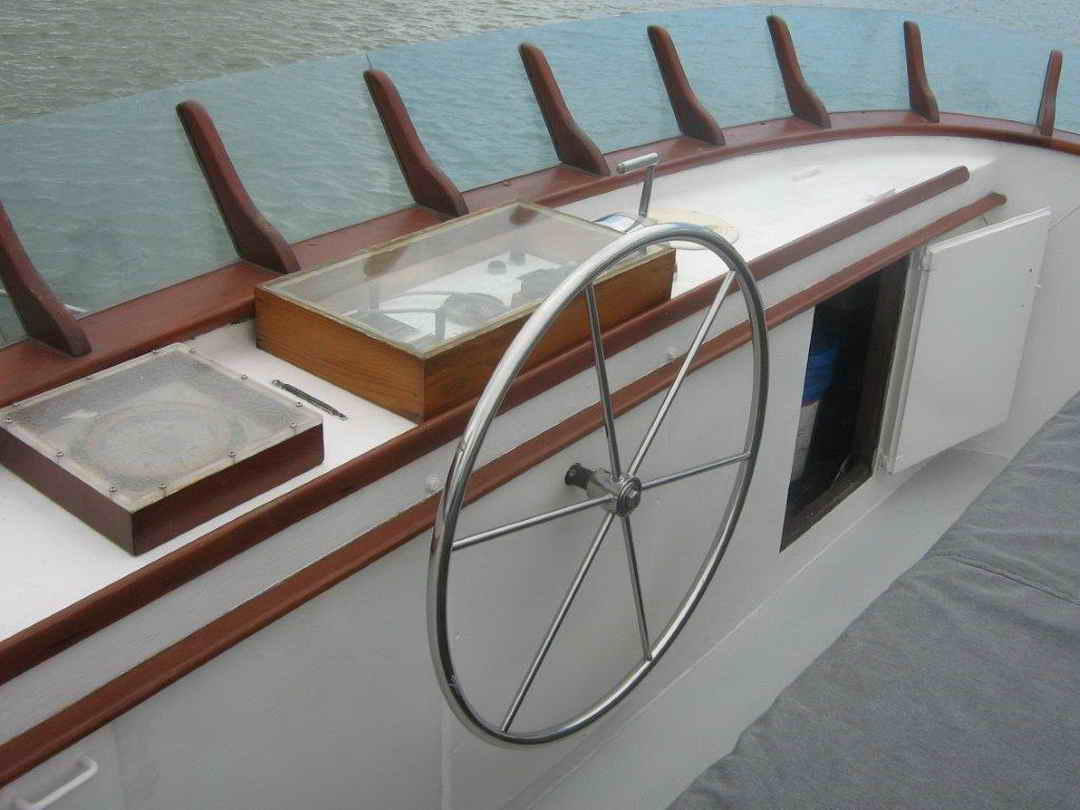 Wood Sather Pilothouse Motor Yacht image 32