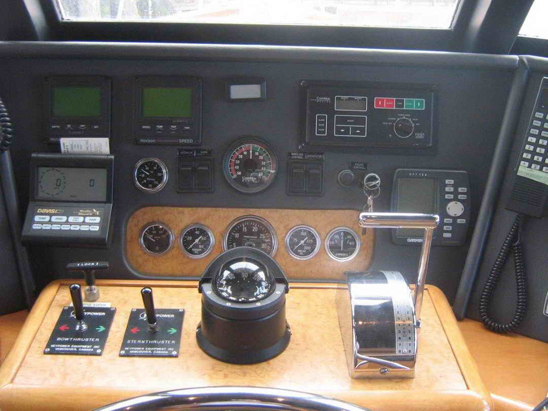 Wood Sather Pilothouse Motor Yacht image 38
